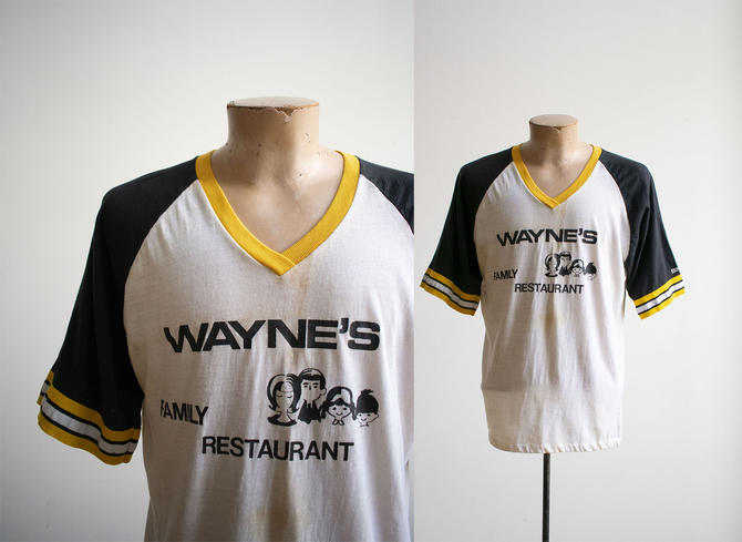 Vintage 1970s Raglan Baseball Tshirt / Vintage 70s Baseball Tee / Vintage Family Restaurant Tshirt / Vintage Wayne Tshirt / Waynes Family by milkandice