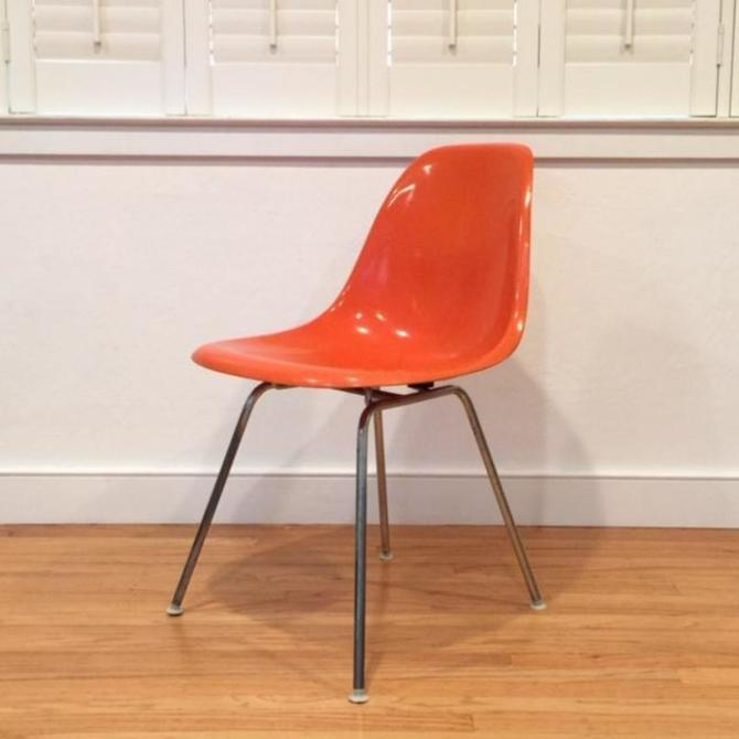 4 Vintage Herman Miller Eames Shell Chairs