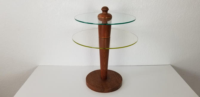 Gilbert Rohde   Postmodern Style  Side Table . by MIAMIVINTAGEDECOR