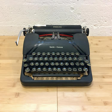 Black 1947 Smith-Corona Sterling Portable Speedline Typewriter, New Ribbon by Deco2Go