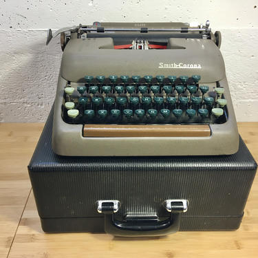 Nice 1949 Smith Corona Silent Portable Typewriter w Case, Owner's Manual, 2 Ribbons by Deco2Go
