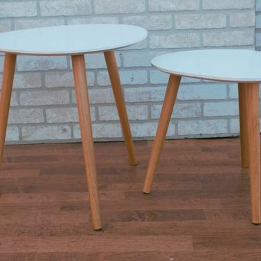 Mid Century Modern Nesting Side Tables with White Tops - Set of 2