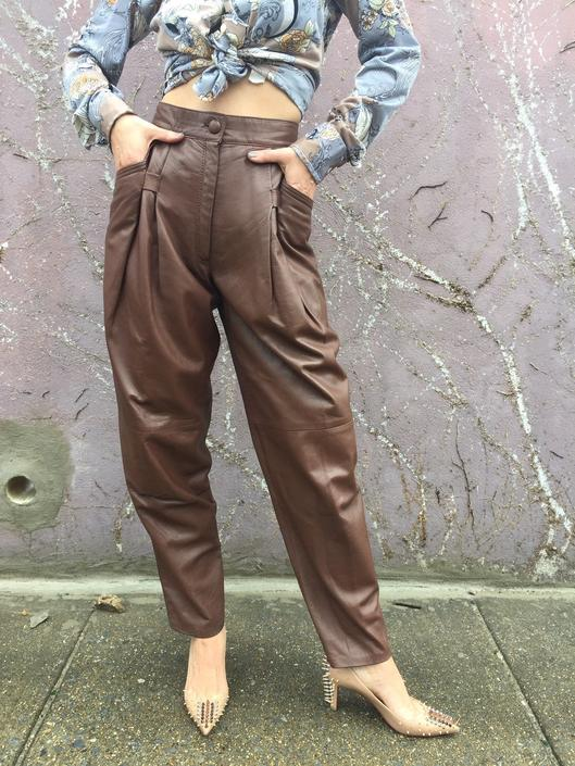 80s leather pants | high waisted pleated brown pants | tapered leg trousers by LosGitanosVintage