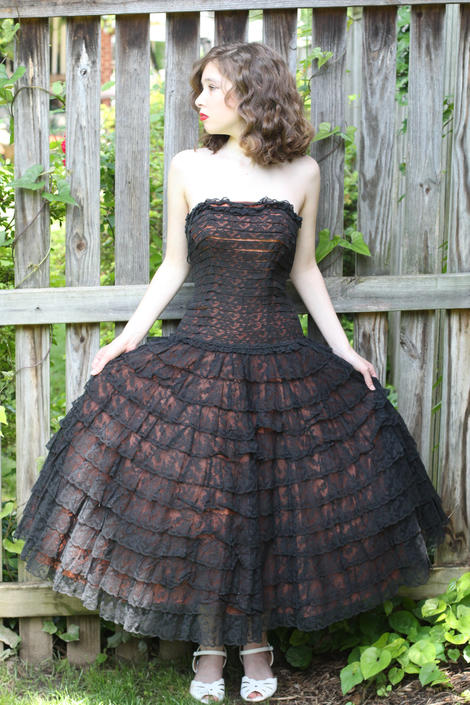 "Vintage 1950s Dress , Black Lace Tiered West Side Story Disney Princess Dress Size XS 32"" bust 24"" waist by WalkinVintage"