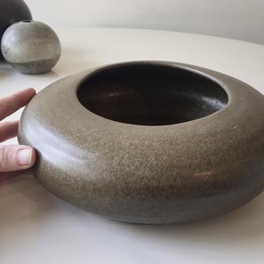 Sculptural  Orb pottery vase Vintage Handmade midcentury Studio planter architectural ikebana styling California by CaribeCasualShop
