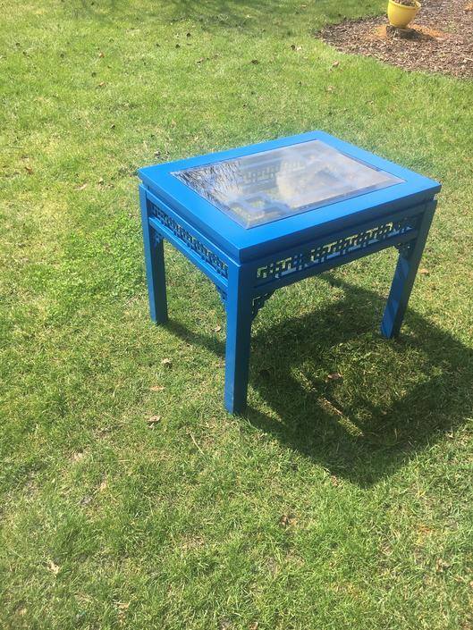 Lacquered blue chinoiserie end table by Dianemarieshome
