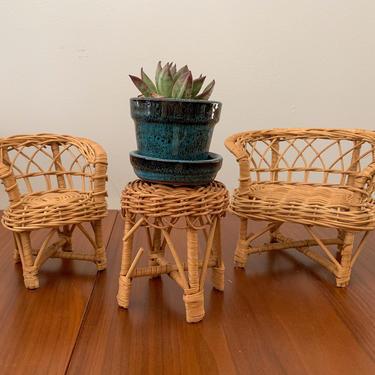 Miniature wicker furniture by FrankiesVintageTrunk
