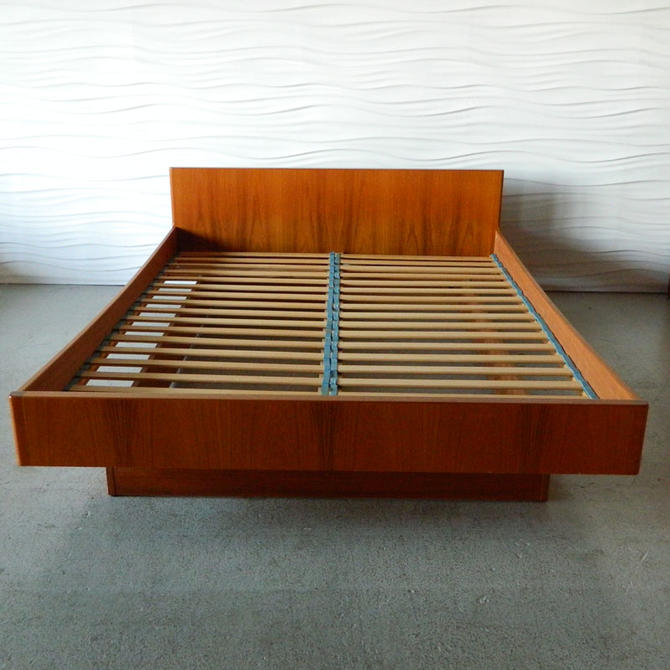 Ha 16240 Wb Mobler Teak Queen Platform Bed From Home