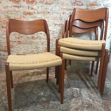 Niels O. Møller Model 71 Set of 8 Dining Chairs