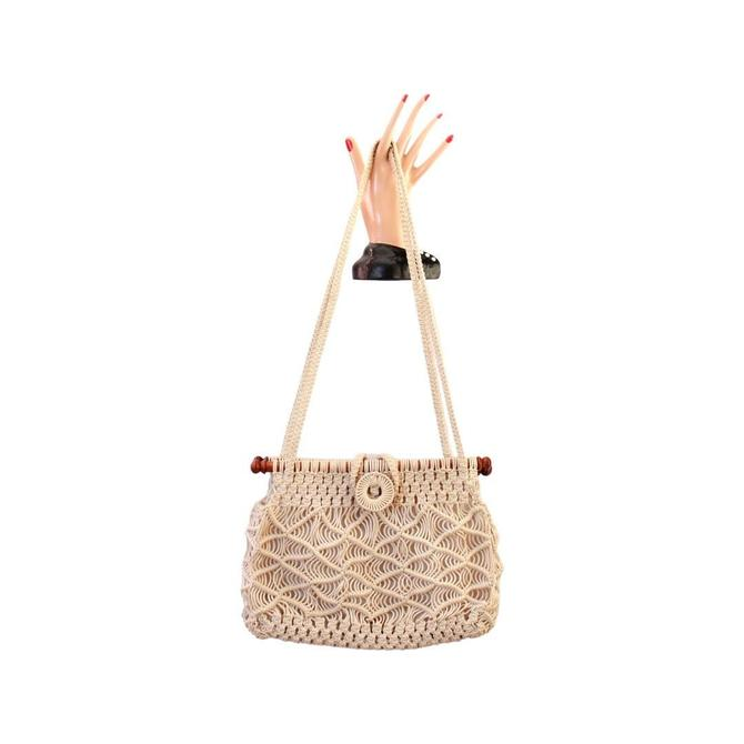 1970s Macrame Purse - Vintage Macrame Handbag - 1970s Boho Bag - Vintage Boho Purse - 1970s Purse - Vintage White Purse - Ivory Purse by VeraciousVintageCo