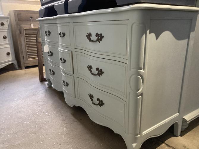 French Gray 9 Drawer Dresser