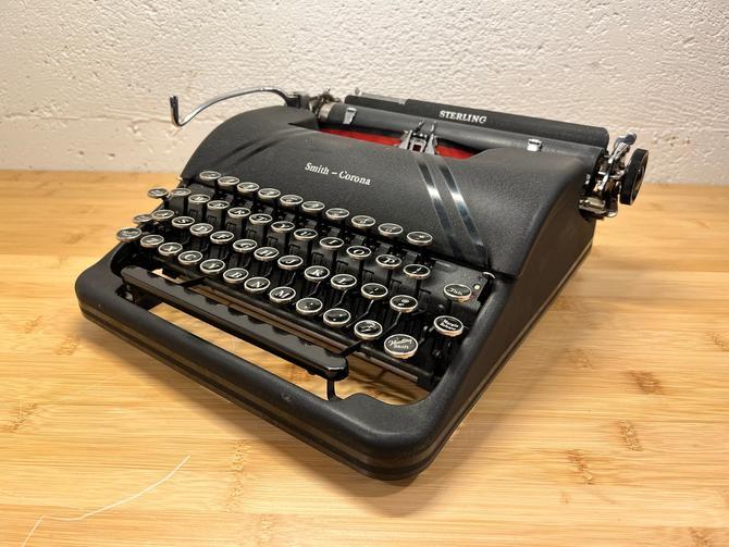 Black 1946 Smith-Corona Sterling Portable Speedline Typewriter, New Ribbon, Owner's Manual by Deco2Go