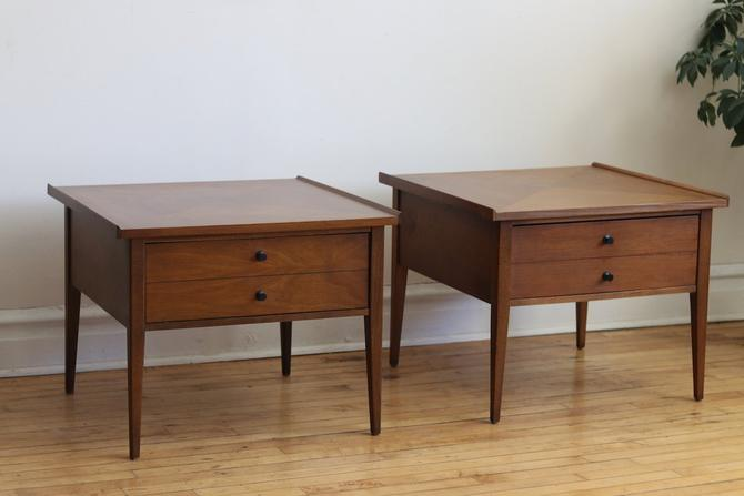 Pair of Mid Century Modern End Tables by American of Martinsville by SharkGravy