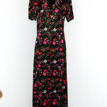 Vintage 1970s Long Floral print dress by AllMyItems