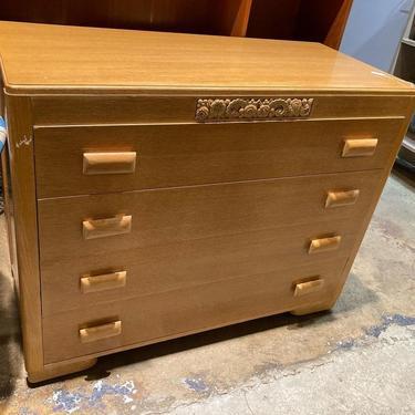 """Thomasville 1940's 4 drawer dresser. 44"""" x 20"""" x 35"""""""