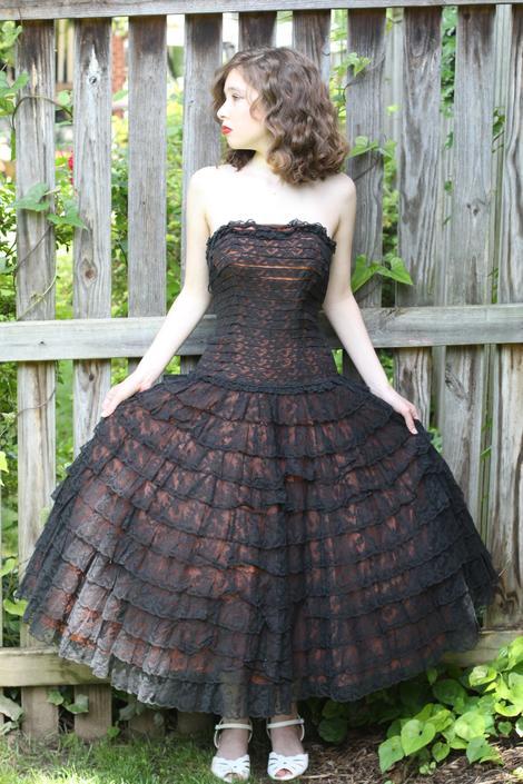 "Vintage 1950s Dress , Black Lace Tiered West Side Story Disney Princess Dress Size XS 32"" bust 24"" waist by WalkinVintage"