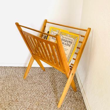 Foldable Wooden Mid Century Magazine Rack by dadacat