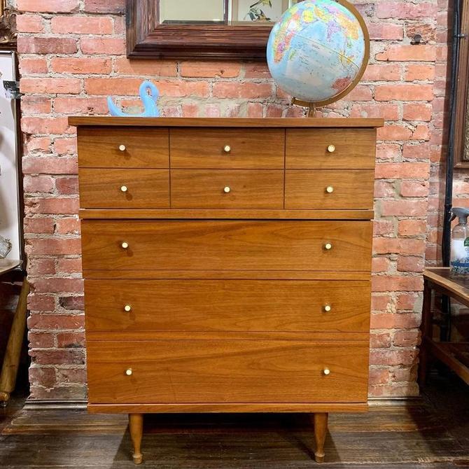 Midcentury Modern 4 drawer dresser