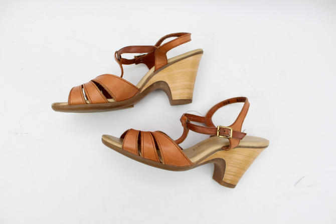 2d5a5a9af4f43 Vintage 70's Brown Leather Wedges / Wood Heel / Naturalizer Shoes / Peep  Toe / Sandals / T Strap / Women's US Size 6.5 by RubyThreadsVintage