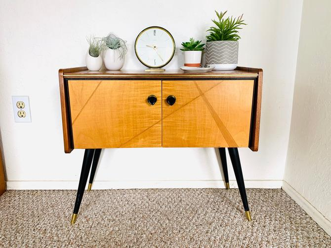 Mid Century Credenza, Vintage Cabinet, Drawer, Sideboard, Mid Century Side End Table, Post War Credenza, Formica Table, Chest of Drawers by dadacat