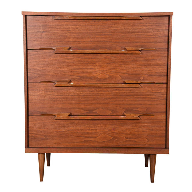 MCM Four Drawer Chest \/ Dresser in Walnut with Sculptural Pulls