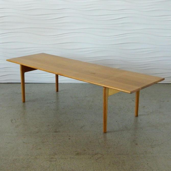 HA-C7982 Hans Wegner Oak Coffee Table