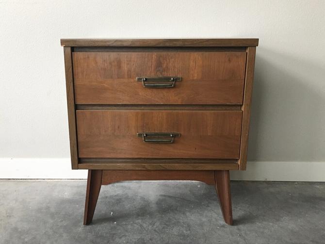 vintage mid century modern 2-drawer nightstand