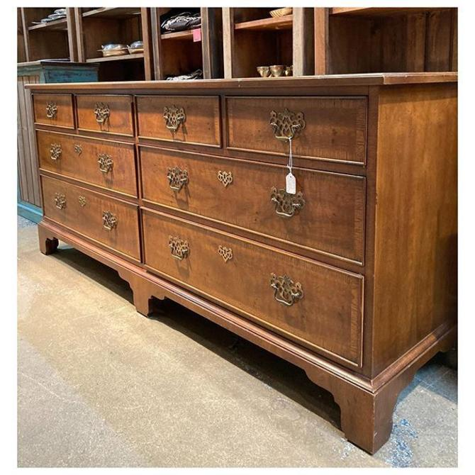 "Henredon's 18th century Chippendale banded walnut double 8 drawer dresser 72"" width / 20"" deep / 31.6"" height"