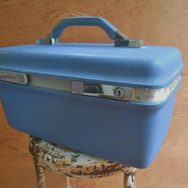 Vintage Plastic Samsonite Montibello Train Case Overnight Small Suitcase Makeup Cosmetic Carry On Travel Luggage by kissmyattvintage