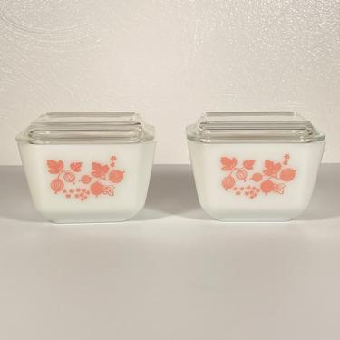 Pair - Pyrex Gooseberry #501 Dish & Lid by CoolCatVintagePA