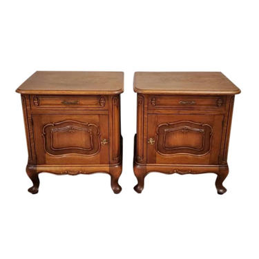 Restored French Provincal Figured Elm & Oak Arts and Crafts Period Louis XV Style Bedside Cabinet Nightstand End Table Pair - 19th Century by LynxHollowAntiques