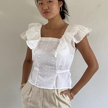 70s eyelet flutter blouse / vintage white cotton broderie anglaise eyelet short sleeve flutter blouse / cropped blouse    XS S by RecapVintageStudio