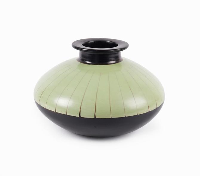 Marcelo Prado Ceramic Vase Blackware Paititi Peru by VintageInquisitor