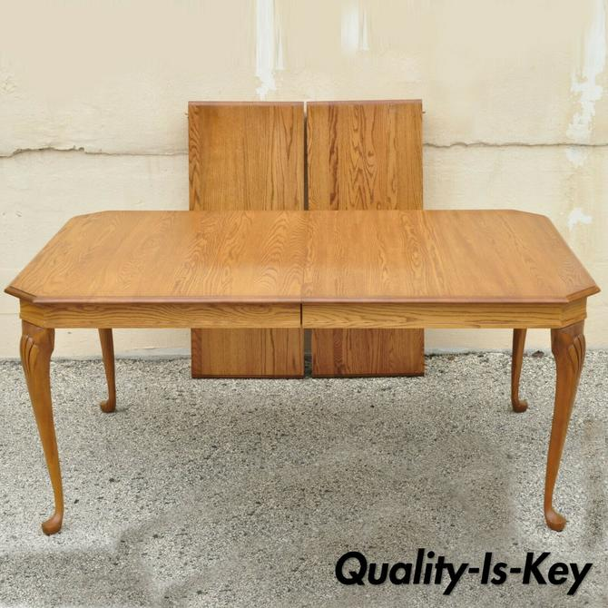 Pennsylvania House Stonehouse Oak Collection Queen Anne Dining Table w/ 2 Leaves