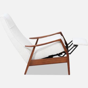 Milo Baughman Sculpted Walnut Reclining Lounge Chair for James Inc.