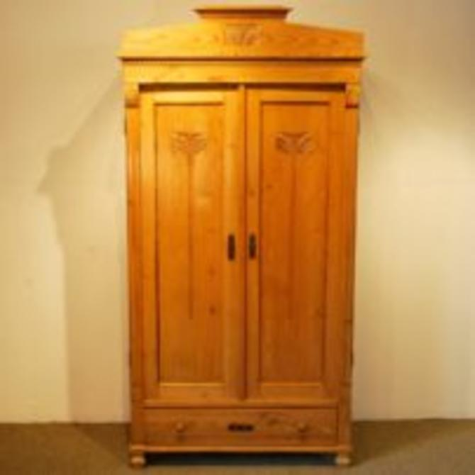 18602 Arts and Crafts Antique Armoire in Pine, circa 1900