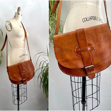 CROSS YOUR HEART Vintage 70s Crossbody Leather Saddle Bag | 1970s Brown Top Stitch Shoulder Purse w/ Adjustable Strap | Boho Bohemia Hippie by lovestreetsf
