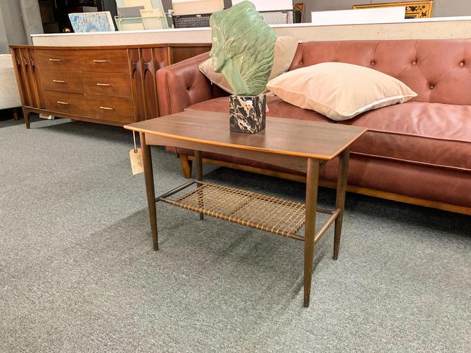 Dux of sweden side table