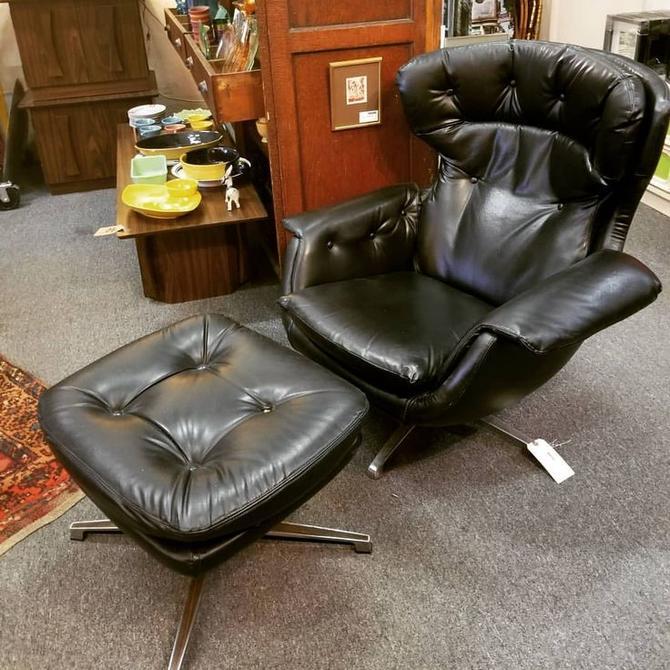 MCM lounge chair