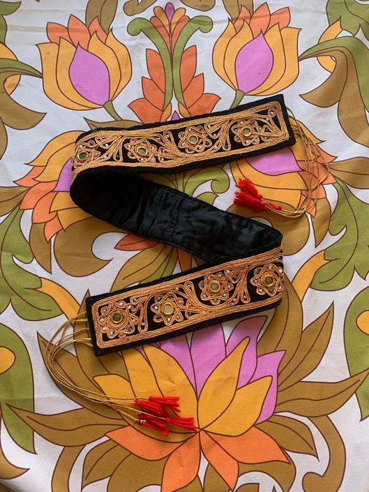 VTG INDIAN BELT - mirrors - beads - tinsel - ties - large/x-large by GlamItToHell