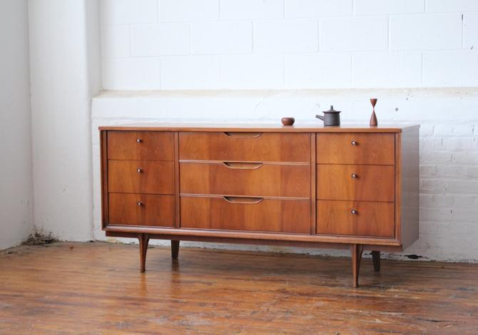 Restored Mid Century Modern Walnut Triple Dresser with Walnut Cone Pulls by NijiFurnishing