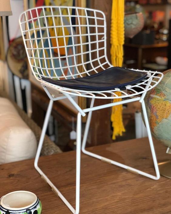 Vintage Harry Bertoia for Knoll midcentury modern children's chair!