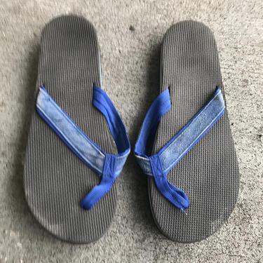 1980s Flip Flops Vintage Sandals Blue Black Stripe Foam 80s Eighties Thick by purevintageclothing