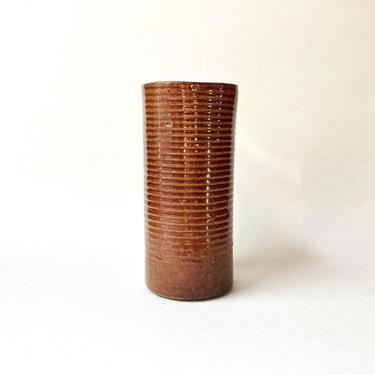"Zanesville Stoneage Modern Vase in Brown, 7.75"" Vintage Modernism MCM Retro by templeofvintage"