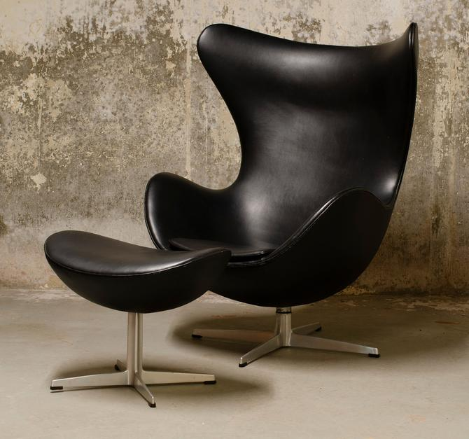 Arne Jacobsen for Fritz Hansen Egg Chair and Footstool, Denmark, 1966 by QueensMCM