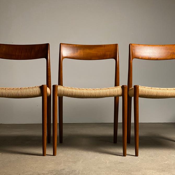 Neils Møller Model 77 Teak Chairs Set (4) by midcenTree