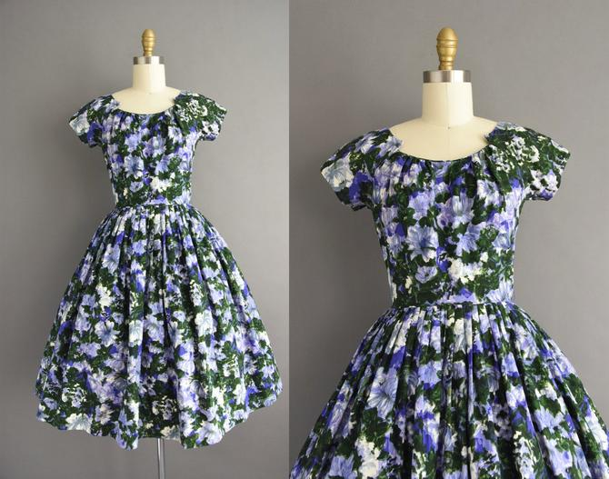 vintage 1950s  Cover Girl Gorgeous Purple Floral Print Full Skirt Cocktail Party Wedding Dress   XS   50s dress by simplicityisbliss