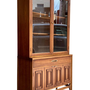 SCULPTED Mid Century Modern Walnut CHINA CABINET by Broyhill Sculptra Collection by CIRCA60