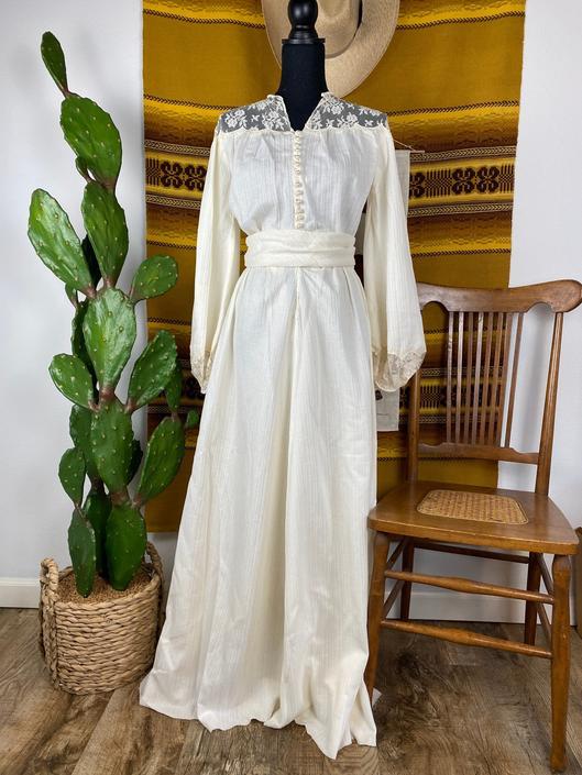 """Vintage 1970s """"Gunne Sax"""" Style Prairie Dress / Wedding Gown by DesertCactusVintage"""