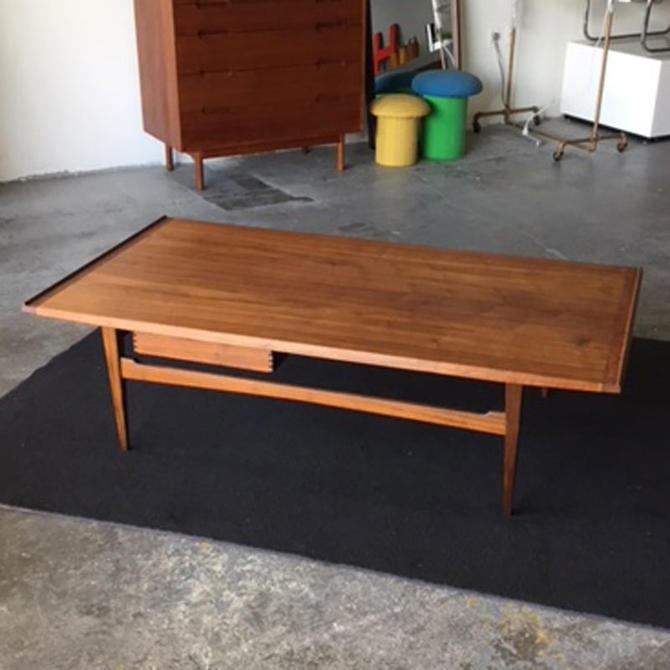 HA-19074 Moreddi Teak Coffee Table